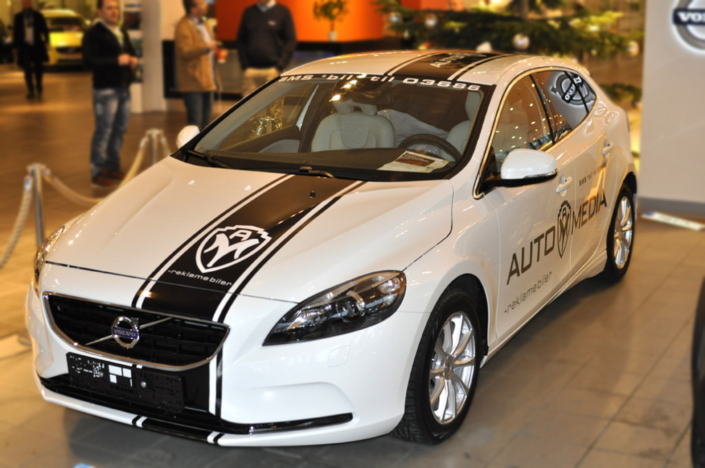 Automedia AS V40 (Identity) result with Decals