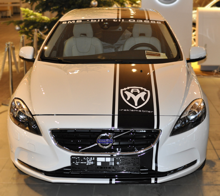 Front view of Automedia AS V40 (Identity)